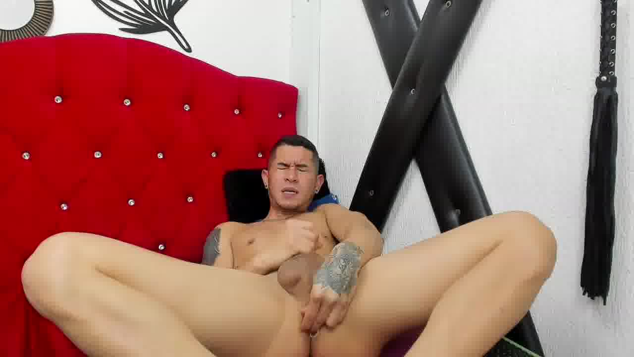 Private Show .  Pleasing my  Sir