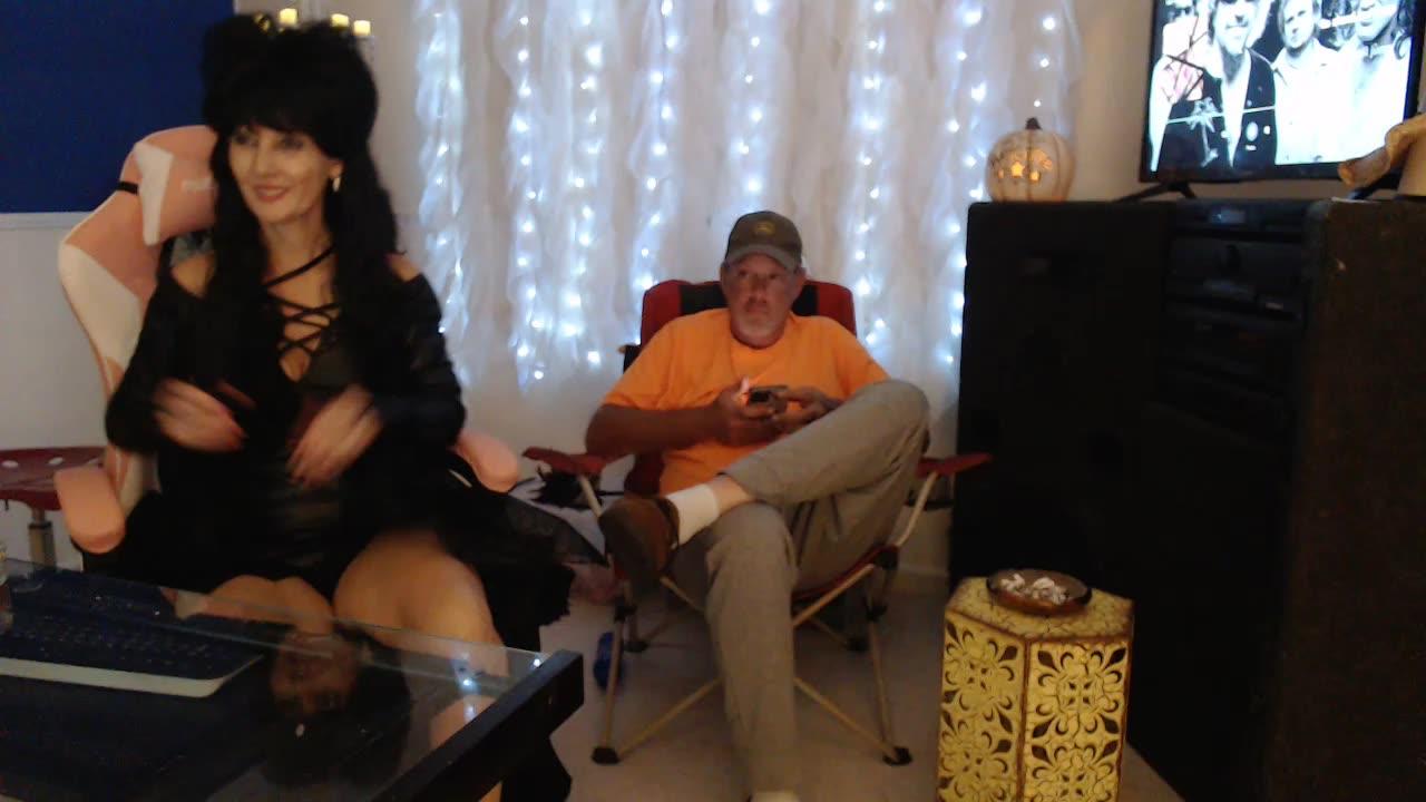[5 Oct 20:33] Private Show Elvira