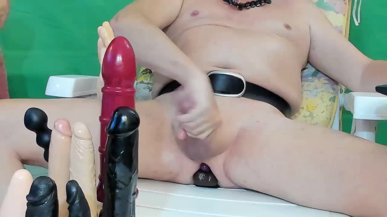 Toys black then red Private Show