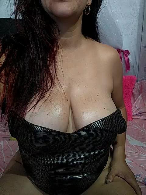 show oil tits