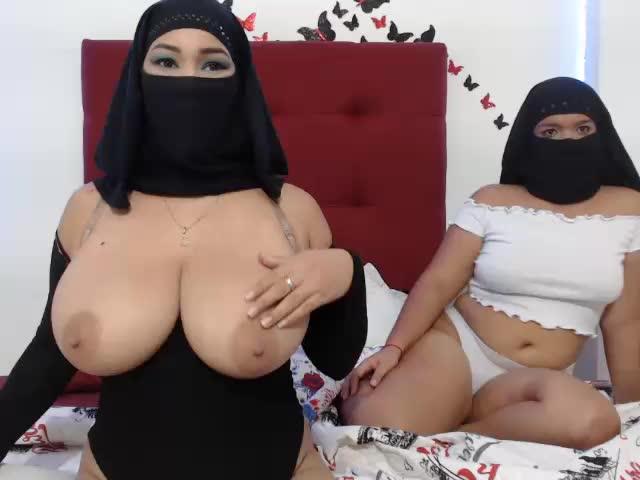 Shaina and Jasmin very very horny ♥